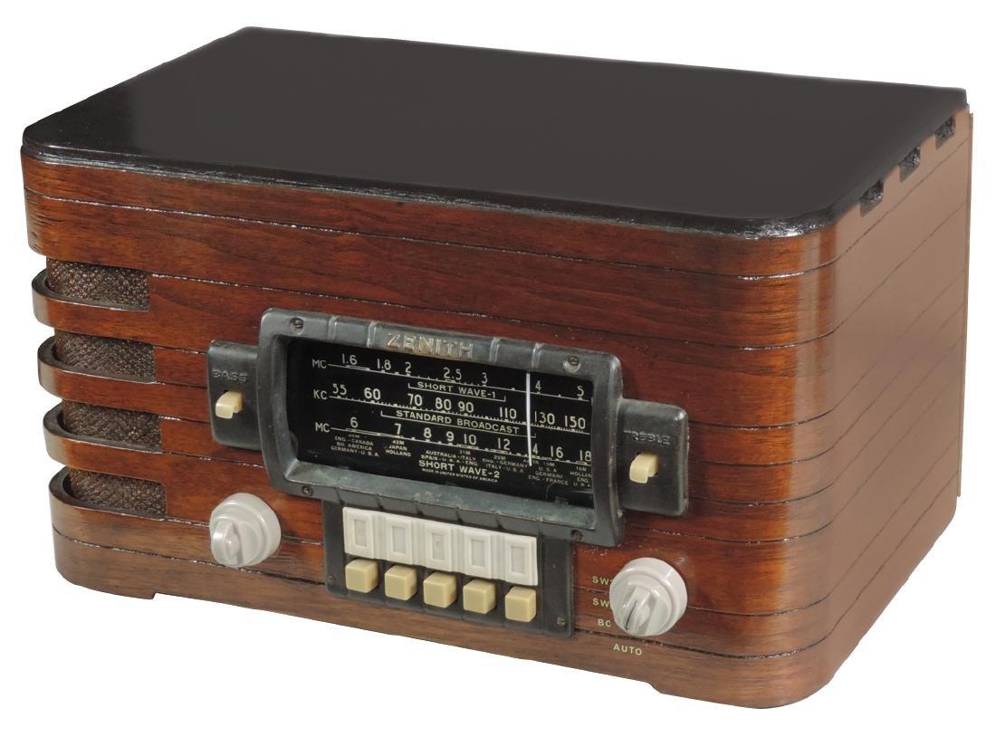 Radio, Zenith Wavemagnet, 2-tone wood case
