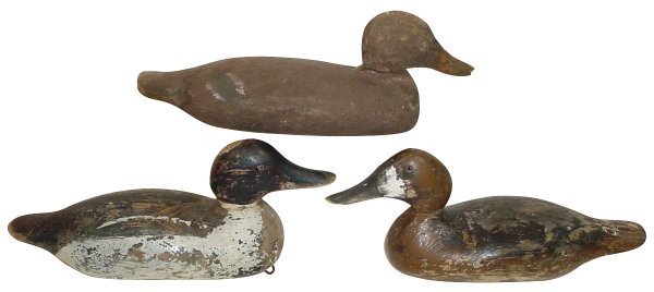 11: Duck decoys (3), 2 have glass eyes & orig. paint, a