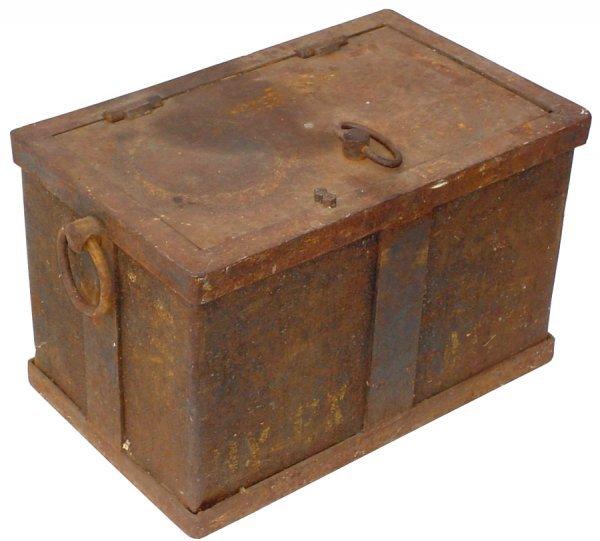 18: Railway Express strong box, steel & iron w/ring han