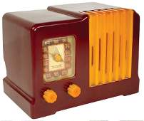 152 Radio Arvin Model 532 butterscotch  maroon bake