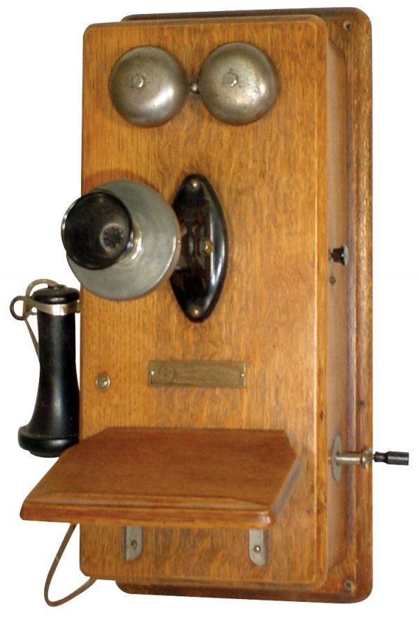 674: Country store wall telephone, Vote-Berger-LaCrosse