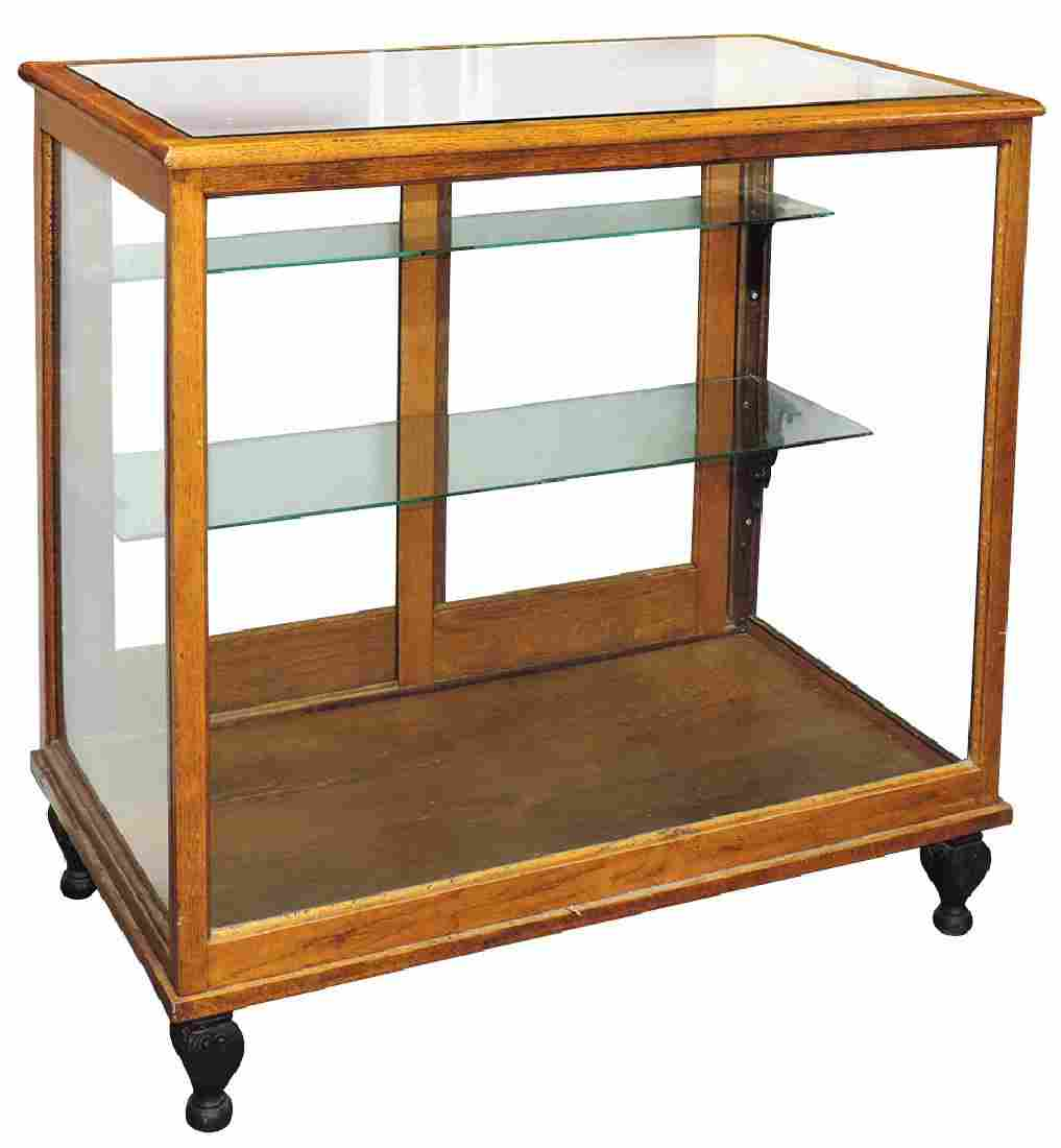 Country store floor display case, 2 glass shelves w/2