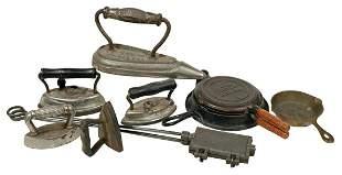 Children's cast iron kitchenware (8), 2 waffle irons-1