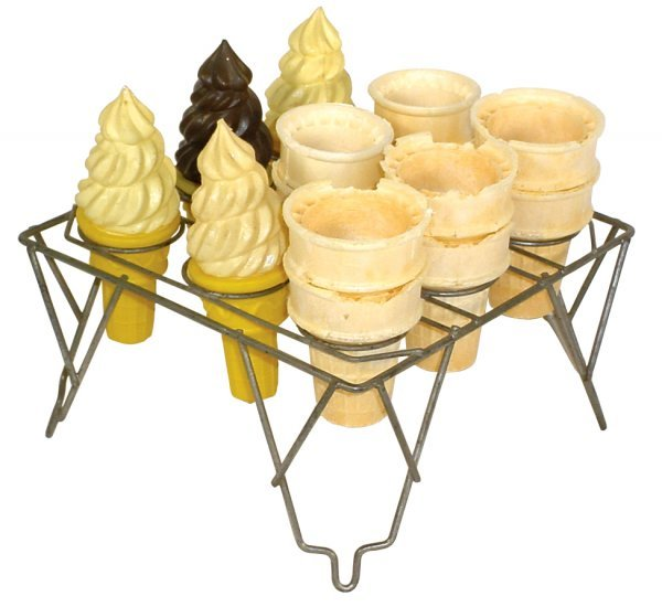 0772: Ice cream cone holder, wire stand made to hold 9