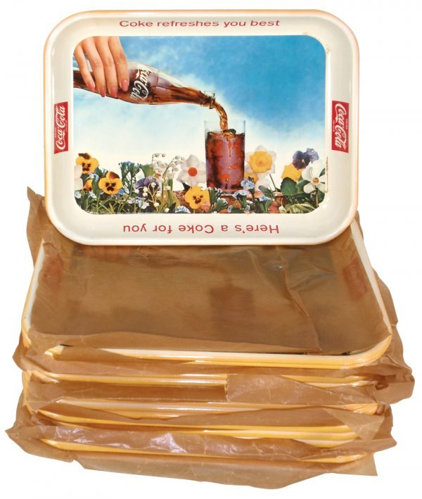 0007: Coca-Cola serving trays (18), all 1961 Flower Gar