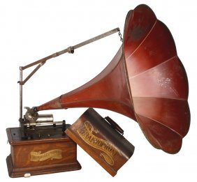 Columbia Graphophone W/morning Glory Horn, Oak Ca