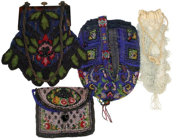 0624: Victorian beaded purses (4), one w/beaded handle