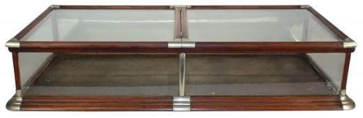 """0908: Showcase, countertop w/double lift """"butterfly"""" to"""