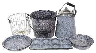 Kitchenware Graniteware (5), all dark brown or charcoal