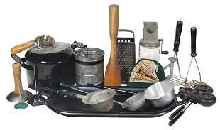 Kitchenware Primitives (16), cast iron two-burner