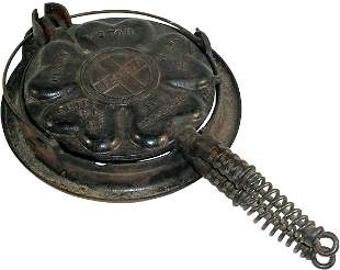 Griswold Heart & Star Waffle Iron, cast iron, No. 18
