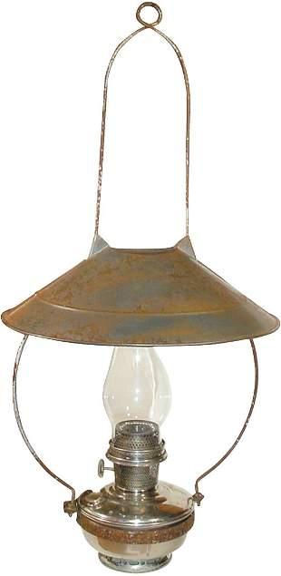 Country store hanging kerosene lamp w/tin shade, co