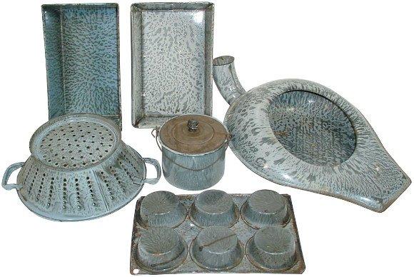 19: Gray granite ware (6 pcs.); muffin pan, drainer, be