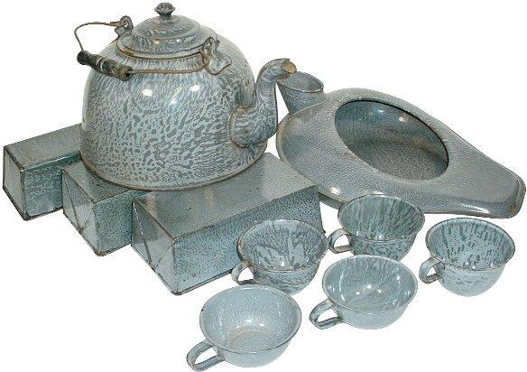 22: Gray granite ware (10 pcs.); includes tea kettle, 5