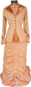 538: Victorian dress on dressmaker's form, beautiful br