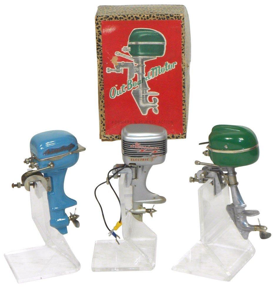 0062: Miniature outboard motors & box (4), NMC Hurrican