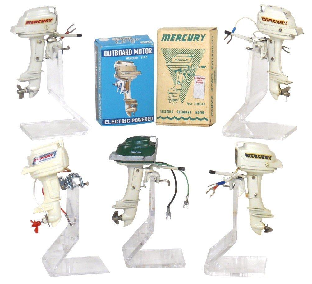 0068: Miniature outboard motors (5) & (2) boxes; K & O