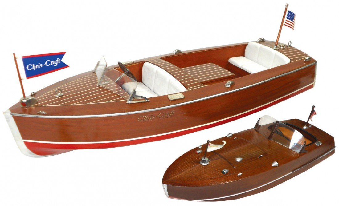 0072: Toy boats (2),1947 Chris-Craft 16 ft utility repl