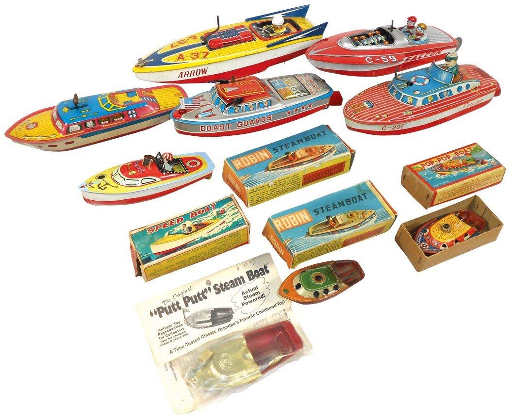 0113: Toy boats (12), litho on tin, Japanese, 4 w/orig