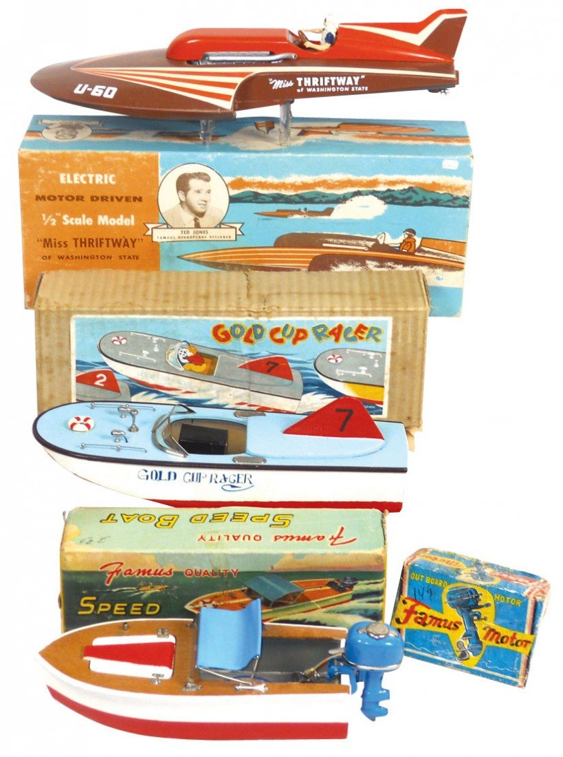 0657: Toy boats (3), Japanese speed boat w/metal outboa