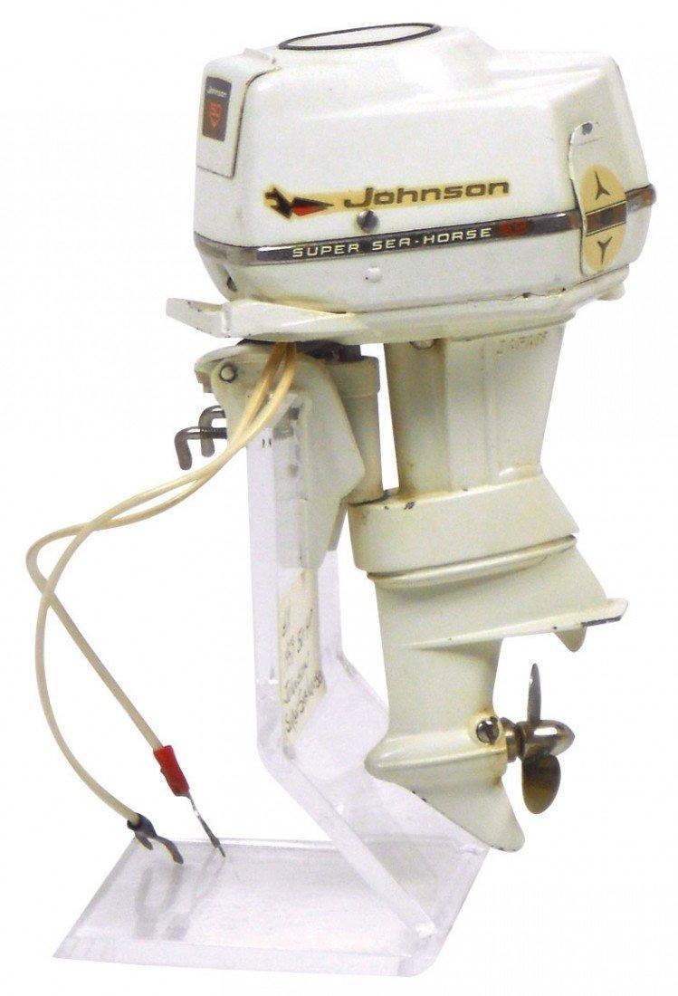 0892: Miniature outboard motor, 1959 Johnson Super Sea-