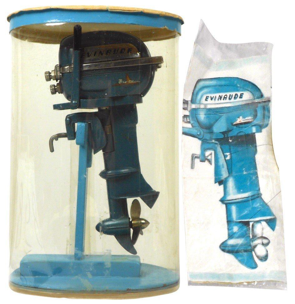 0898: Miniature outboard motor, Evinrude Big Twin, blue
