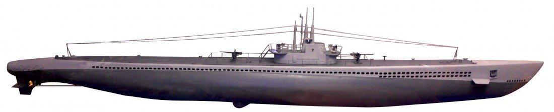0980: Scale model boat, U.S.S. Perch submarine, bui
