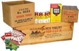 775: Dr. Hess wooden advertising box w/Dr. Hess product