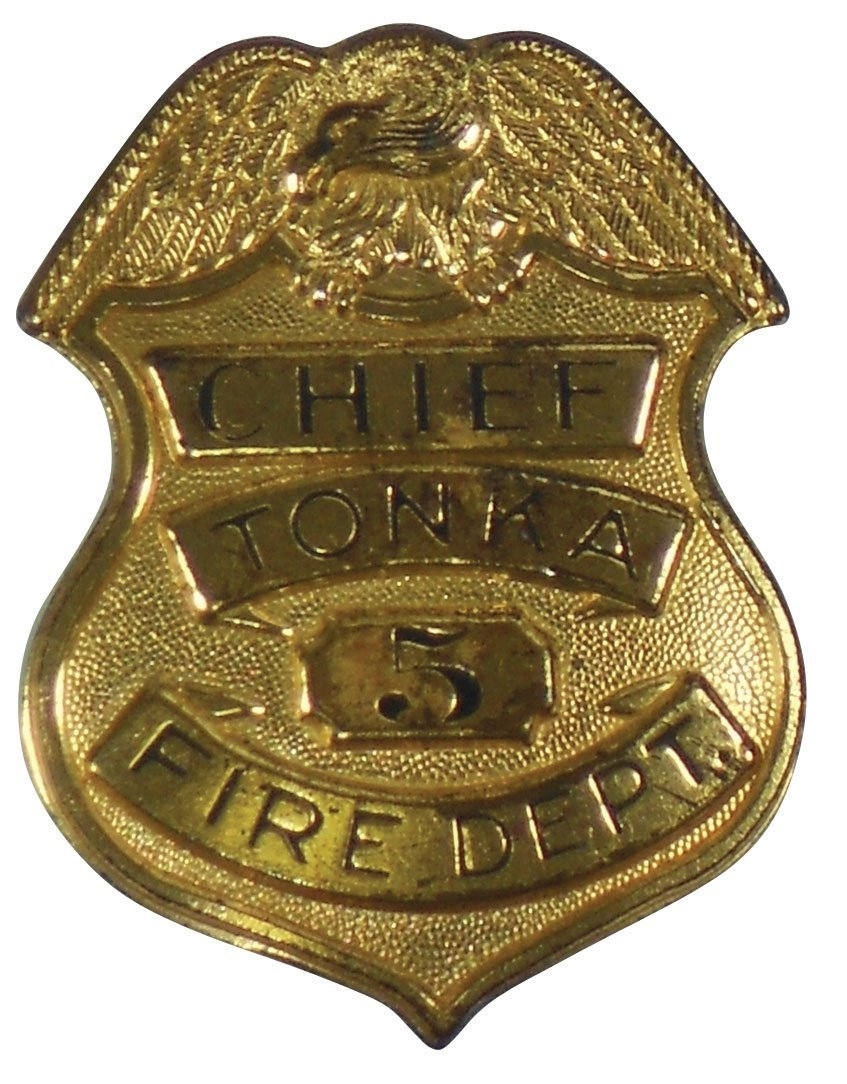 0945: Toy Fire Truck & Badge, Tonka Fire Chief Badge, #