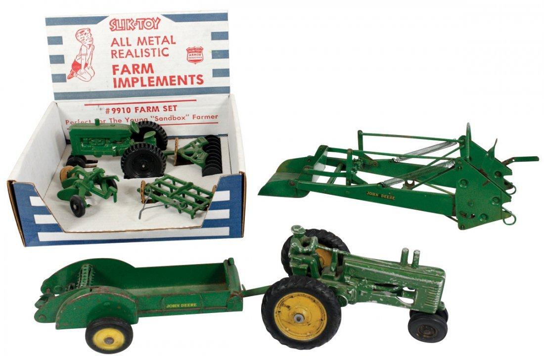 Toy tractor & implements (4), John Deere tractor,