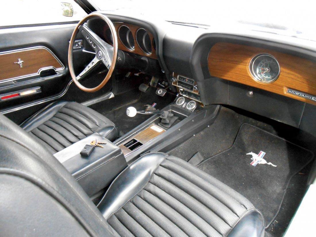 Automobile, 1969 Mustang Boss 429.  Wimbledon white - 8