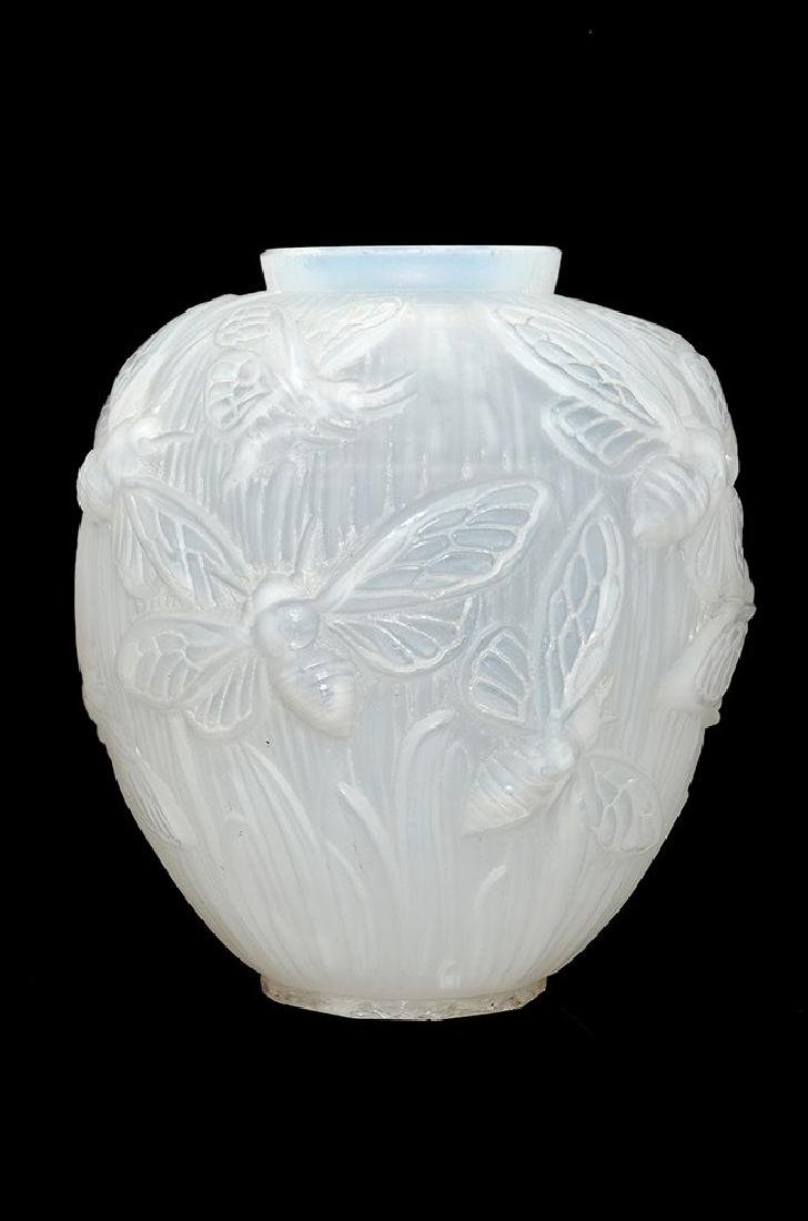 A VERLYS PRESS MOULDED OPALESCENT GLASS VASE