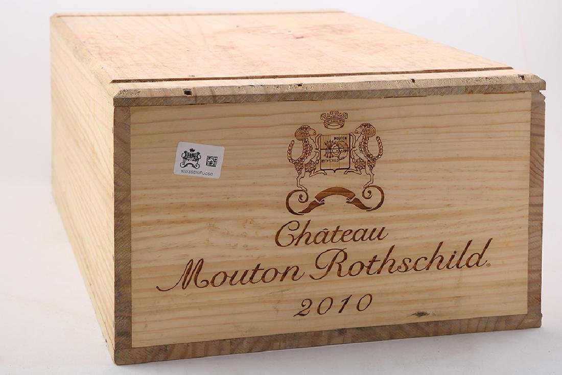 Chateau Mouton Rothschild 2010