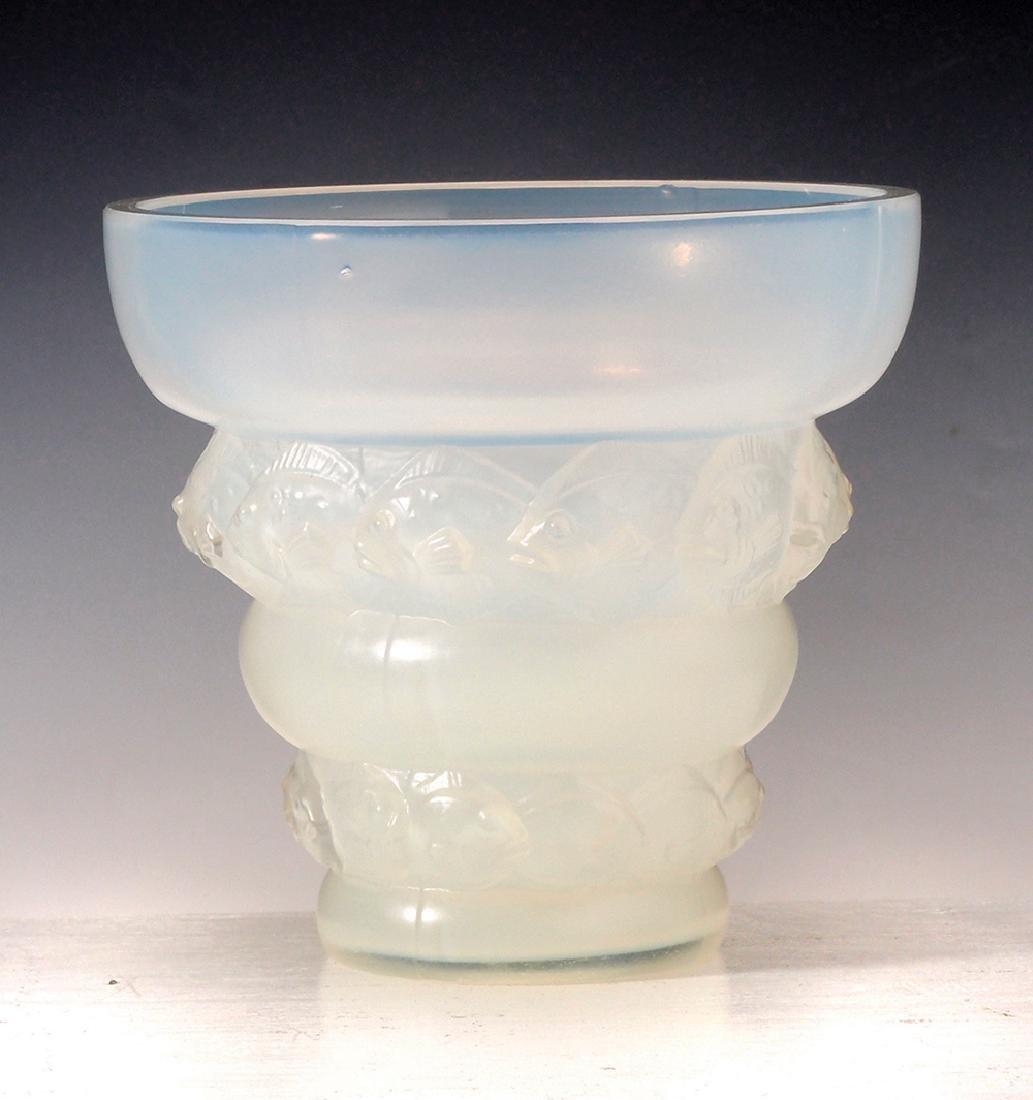 A SABINO OPALESCENT GLASS 'LIZENS' VASE