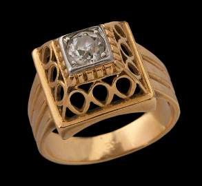 AN 18K GOLD FRENCH RETRO RING