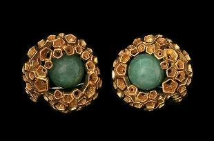 A PAIR OF 18K GOLD CLIP-ON EARRINGS