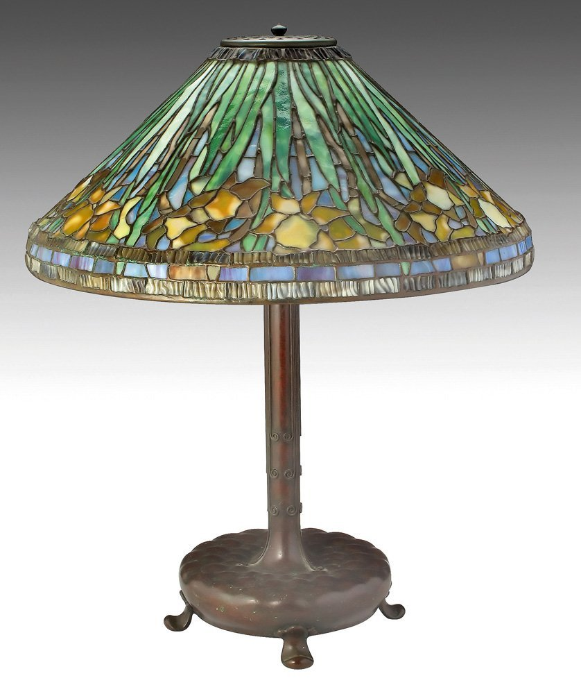 A 'DAFFODILS' SHADE WITH TIFFANY STUDIOS LAMP BASE