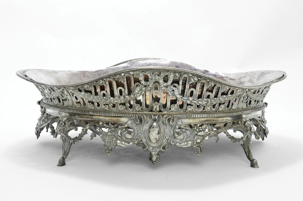 A SILVERED CENTERPIECE IN THE FRENCH NEO-CLASSICAL