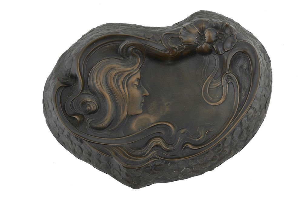 AN ART-NOUVEAU PATINATED ASHTRAY