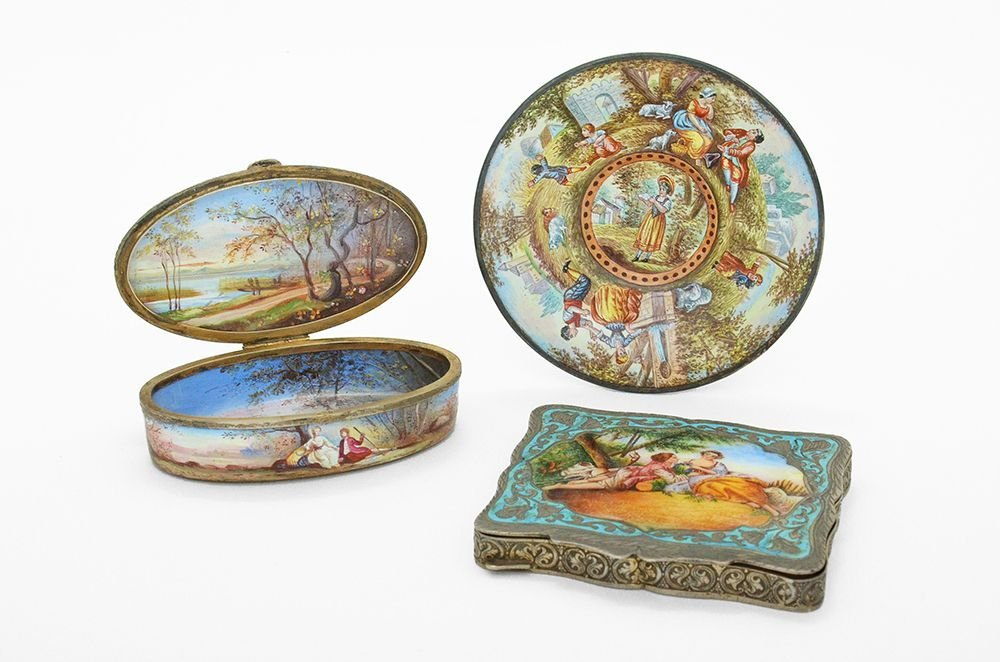 A VIENNESE SILVER AND ENAMEL SNUFF BOX