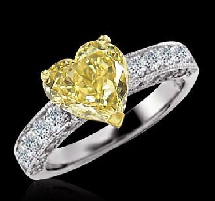 Yellow lovely Heart engagement ring 3.51 TCW