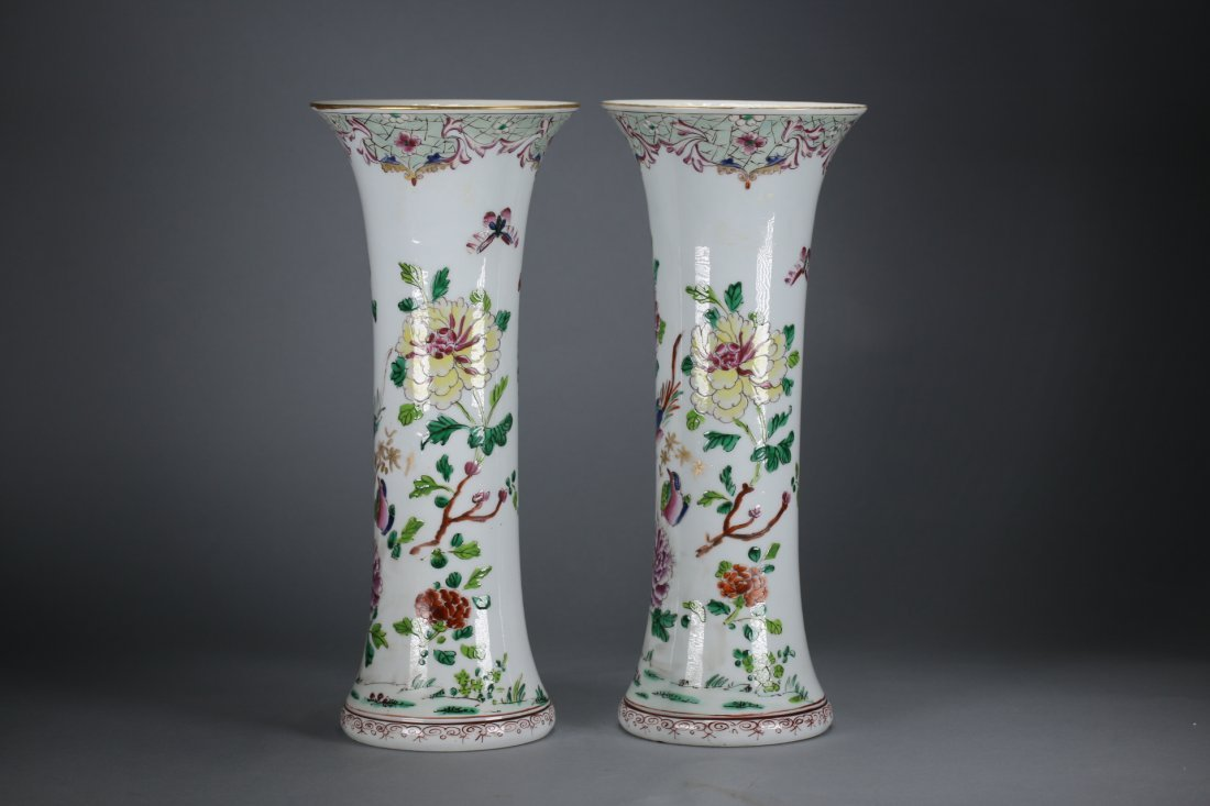 A pair Chinese famille verte sleeve vases,18th century