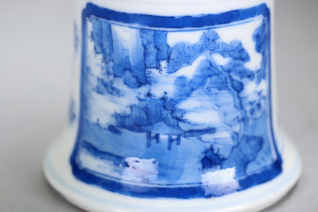 Chinese blue and white glazed gu-form vase,Qing dynasty - 4