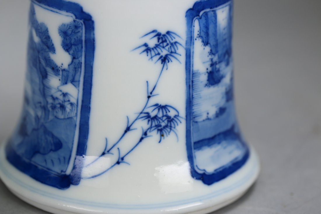 Chinese blue and white glazed gu-form vase,Qing dynasty - 6
