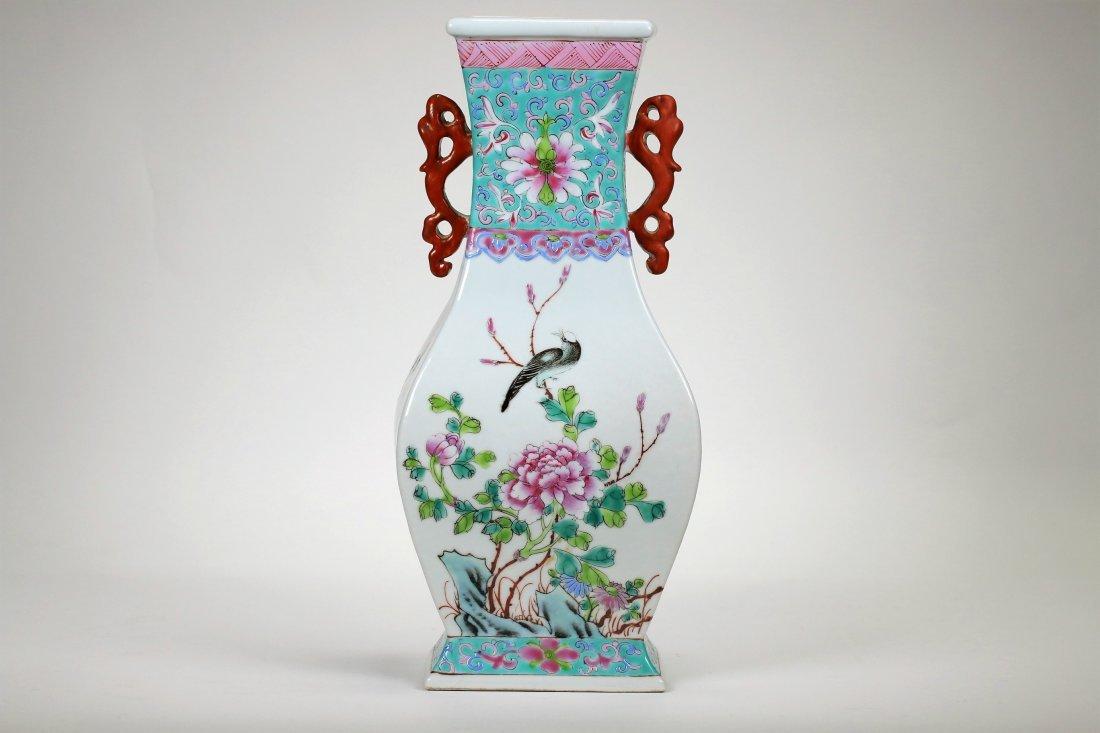 A Chinese Famille Rose  Verte Vase,19th century
