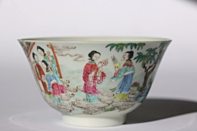 A imperal Chinese famille rose bowl,Daoguang period