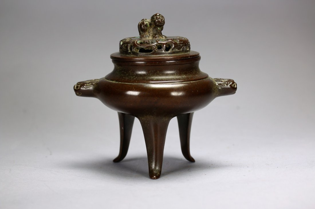 Fine Chinese triangle  bronze censer,Qing dynasty