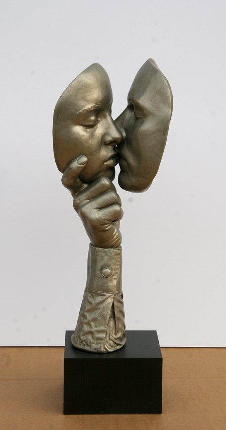 2358: John Cutrone, The Kiss, Sculpture