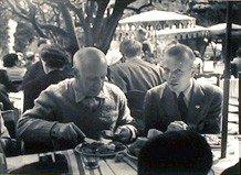 609: Boris Lipnitzki, Picasso a table avec Michel Leiri