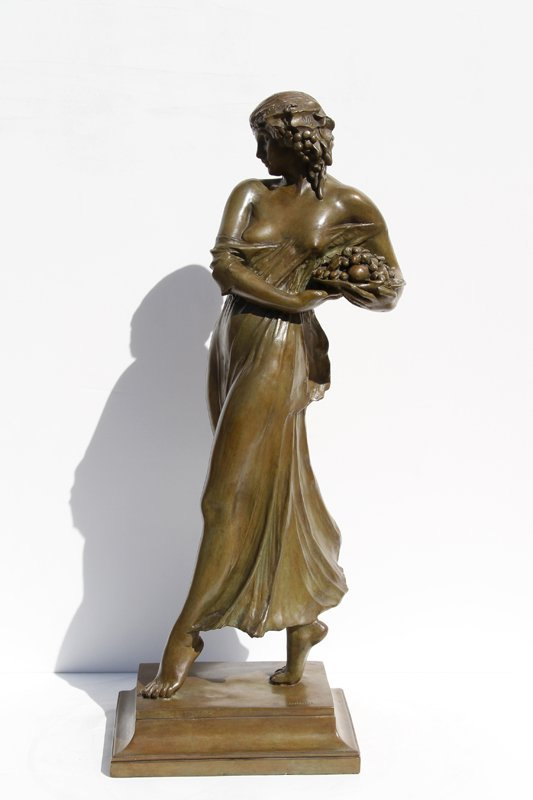 10: Mario Joseph Korbel, Woman carrying grapes, Bronze